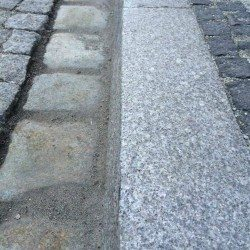 kraweznik-granitowy-przykladowa-realizacja