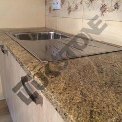 Blat kuchenny granitowy (Kashmir Gold)